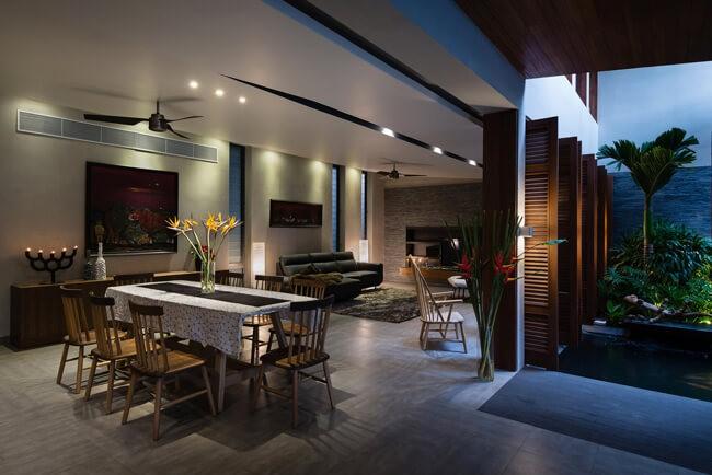 Liên kết phòng khách cùng bàn ăn phòng bếp bởi kiến trúc sư tại Kata