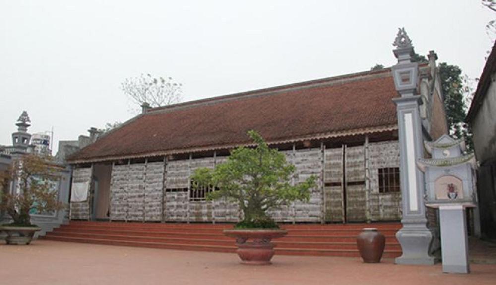 Căn nhà gỗ mít của gia đình ông Nguyễn Văn Học (Hòa Lạc, Hà Nội)