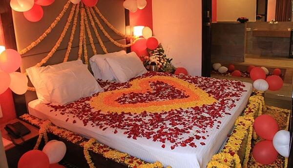 Hoa tươi - Trang trí phòng cưới