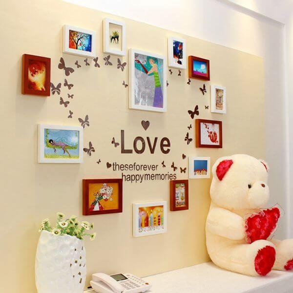 Sử dụng khung ảnh treo tường hình trái tim - Trang trí phòng cưới