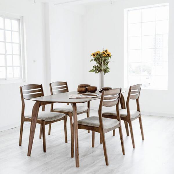 Bộ bàn ăn đẹp bằng gỗ óc chó 4 ghế