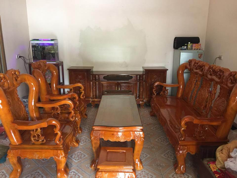 Bộ bàn ghế phòng khách đẹp làm bằng gỗ xà cừ - 1