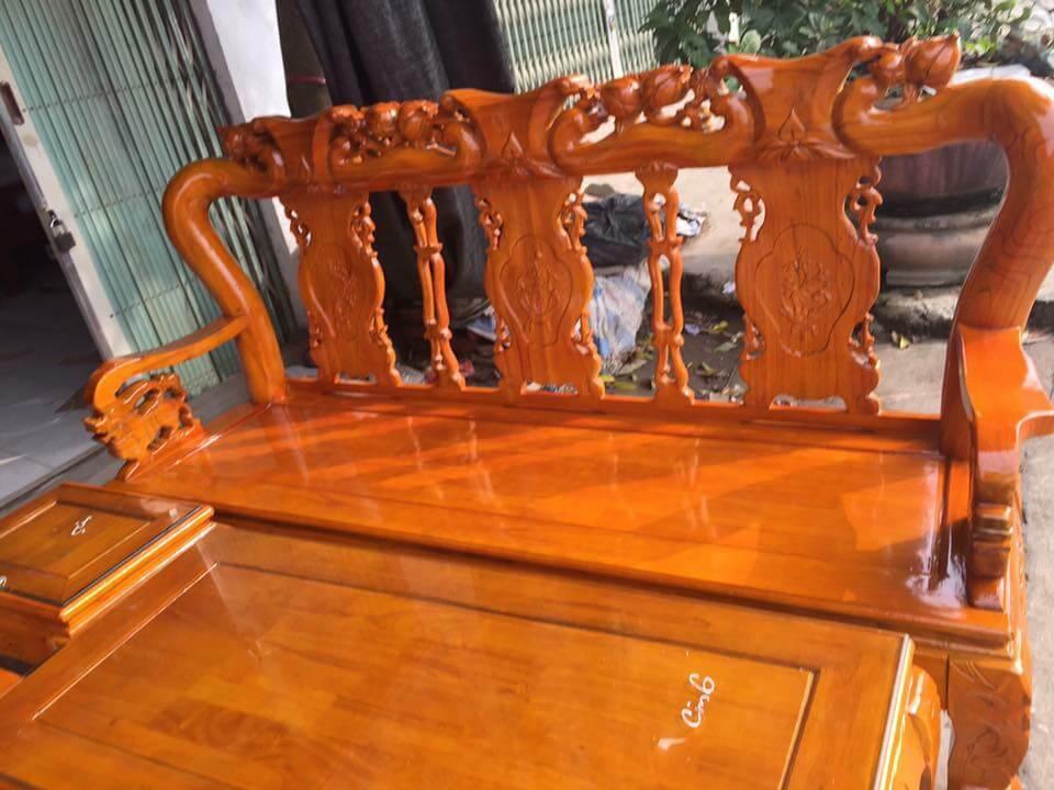 Bộ bàn ghế phòng khách đẹp làm bằng gỗ xoan ta