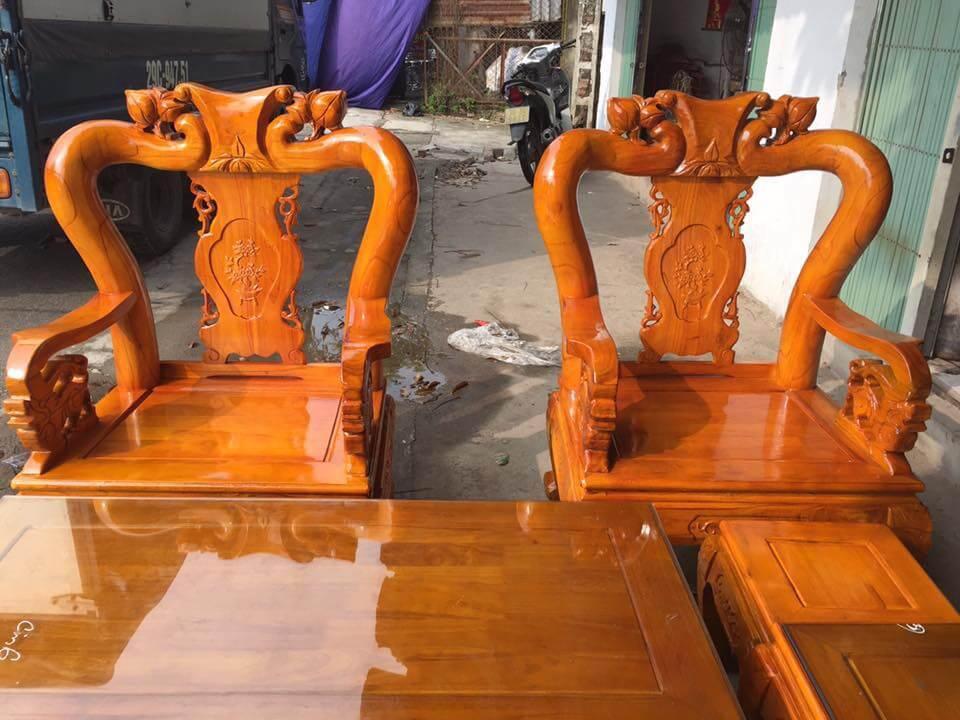 Bộ bàn ghế phòng khách đẹp làm bằng gỗ xoan ta - 1