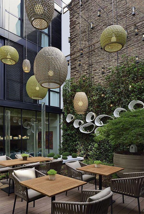 Thiết kế quán cafe với không gian cây xanh