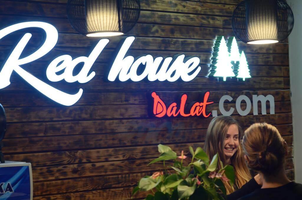 Redhouse Backpacker Hostel - Khách sạn trung tâm Đà Lạt