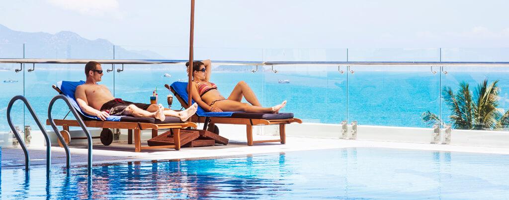 Pool Bar - Khách sạn Havana Nha Trang