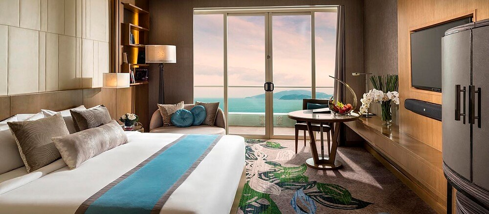 Phòng Club hướng biển - Khách sạn InterContinental Nha Trang