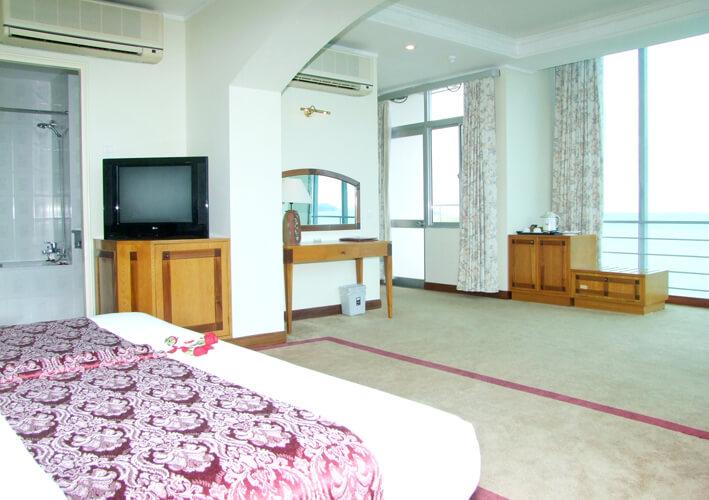 Phòng Suite - Khách sạn Lodge Nha Trang