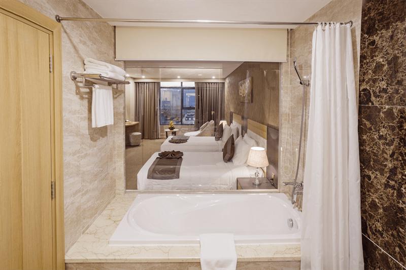 Phòng Deluxe Twin Ocean View - Khách sạn Mường Thanh Nha Trang