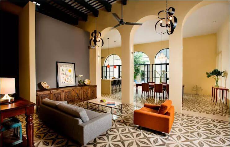 Phòng khách cổ điển hài hòa với gam màu nhẹ nhàng