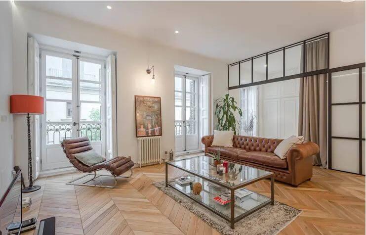 Một chút cổ điển cho phòng khách sang trọng - Cách trang trí phòng khách