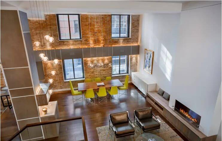 Đèn chùm kiểu Ý + Ghế quầy bar hiện đại - Thiết kế phòng khách