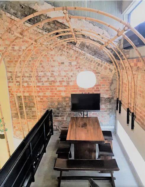 Tầng lửng trở thành góc Teamwork tuyệt vời - Thiết kế quán Cafe