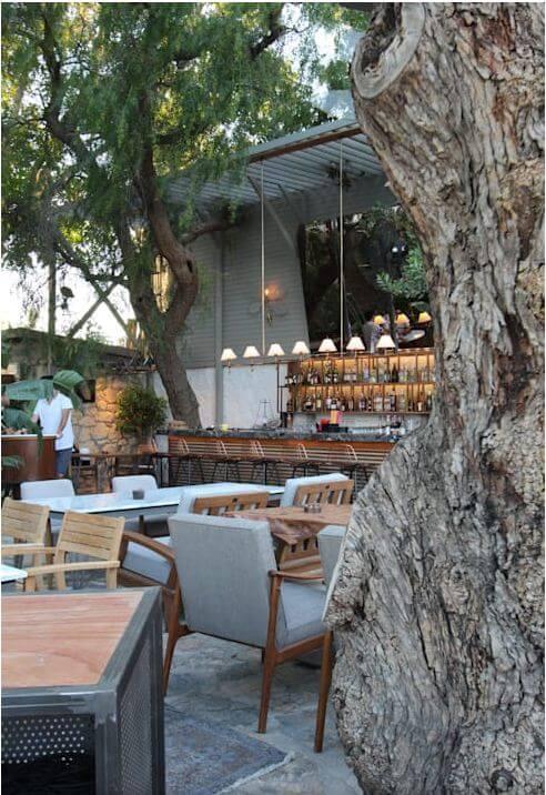 Dãy ghế tròn cho nhóm bạn hoặc gia đình - Thiết kế Cà phê sân vườn - 1
