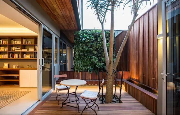 Khoảng hiên ốp gỗ đẹp mắt - Ngoại thất nhà đẹp