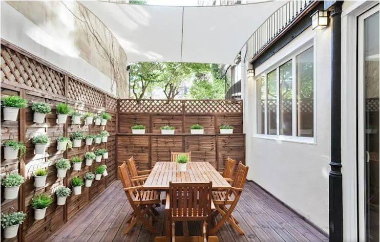 Hàng rào gỗ kết hợp vườn đứng cực xinh - Ngoại thất nhà đẹp