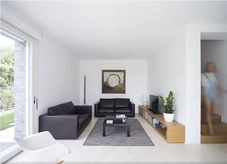 Không gian phòng khách thoáng đãng - Mẫu biệt thự 2 tầng đẹp