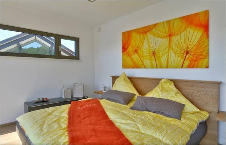 Phòng ngủ với những gam màu tươi tắn - Mẫu nhà 2 tầng 186m2