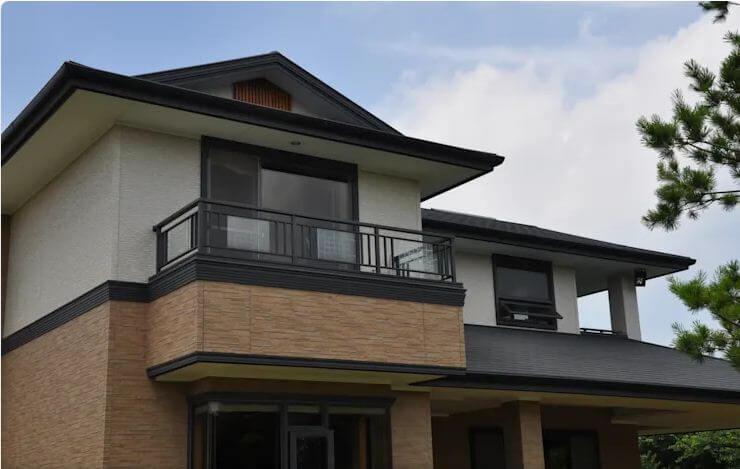 Sự đa dạng của hệ thống cửa sổ - Mẫu thiết kế nhà 2 tầng 80m2 - 1