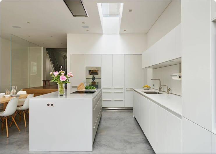 Màu trắng tinh tế - Thiết kế bếp hiện đại