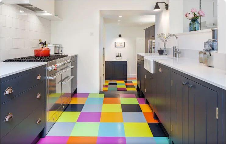 Biến tấu với gạch lót sàn - Thiết kế bếp hiện đại