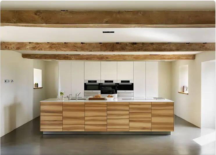 Họa tiết gỗ lạ mắt - Thiết kế bếp hiện đại