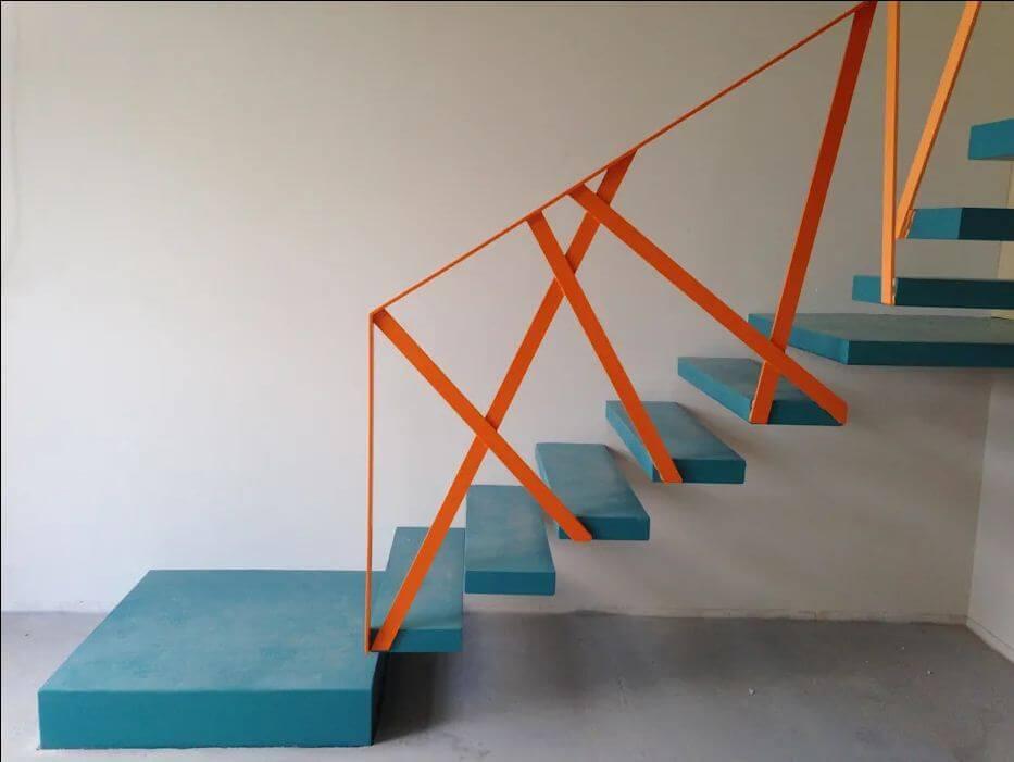Màu sắc thể hiện cá tính - Cầu thang bê tông