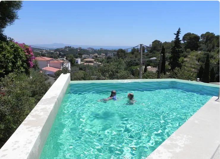 22 mẫu hồ bơi tuyệt đẹp giúp đập tan cái nắng nóng ngày hè - 10
