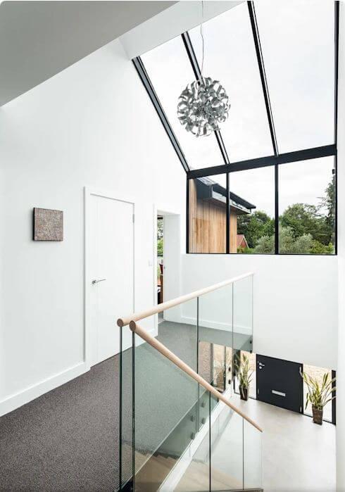 Cửa sổ mái lấy sáng - Mẫu nhà 2 tầng hiện đại