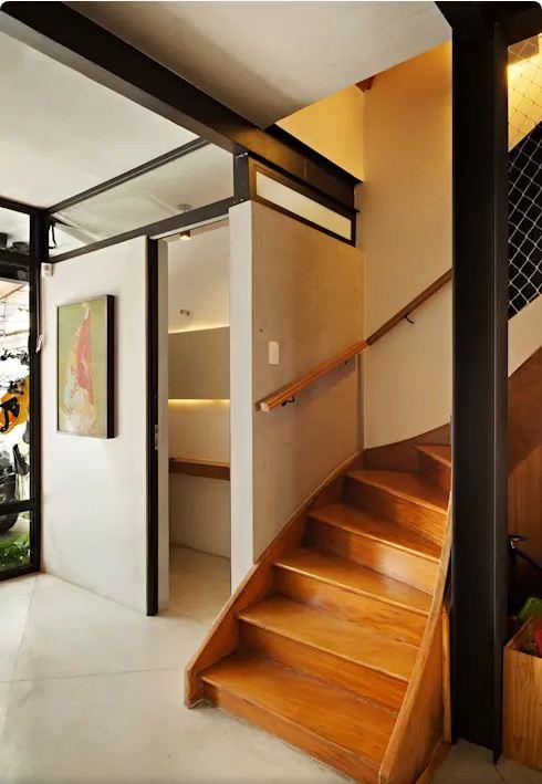 Thiết kế thang lạ mắt - Mẫu nhà nhỏ 2 tầng