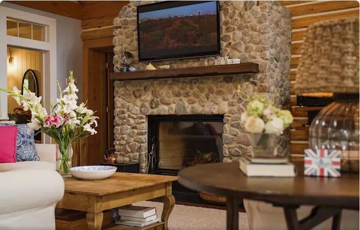 Phòng khách rộng rãi - Ngôi nhà đồng quê - 1