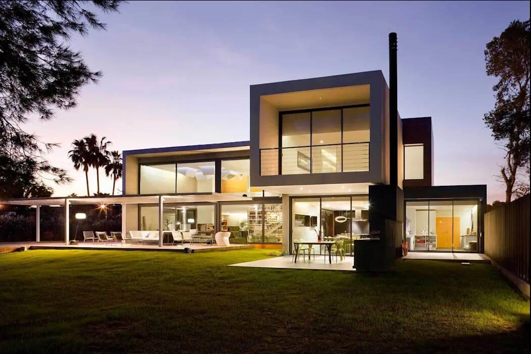 Ngôi nhà nổi bật vào ban đêm - Kiến trúc nhà đẹp 2 tầng - 1