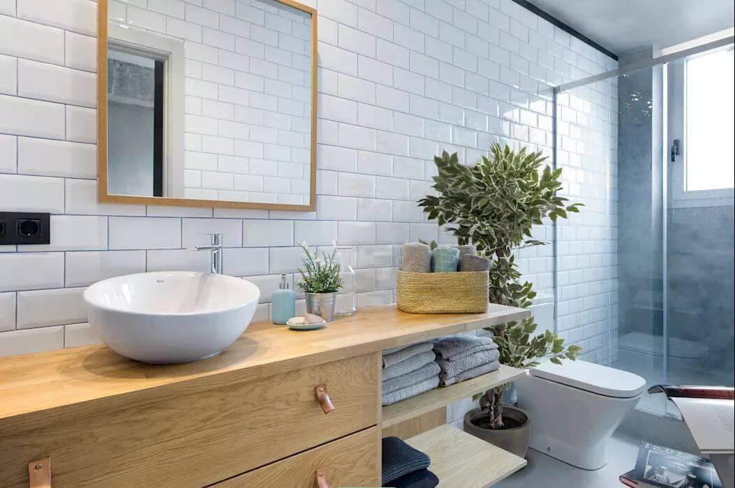 Phòng tắm sáng sủa - Mẫu thiết kế nhà nhỏ 1 tầng