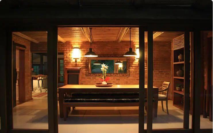 Hệ thống đèn vàng ấm áp, thân thiện - Nhà đẹp 1 tầng