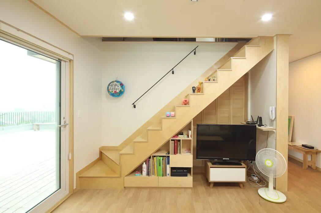 Tận dụng không gian dưới gầm cầu thang - Nhà văn phòng
