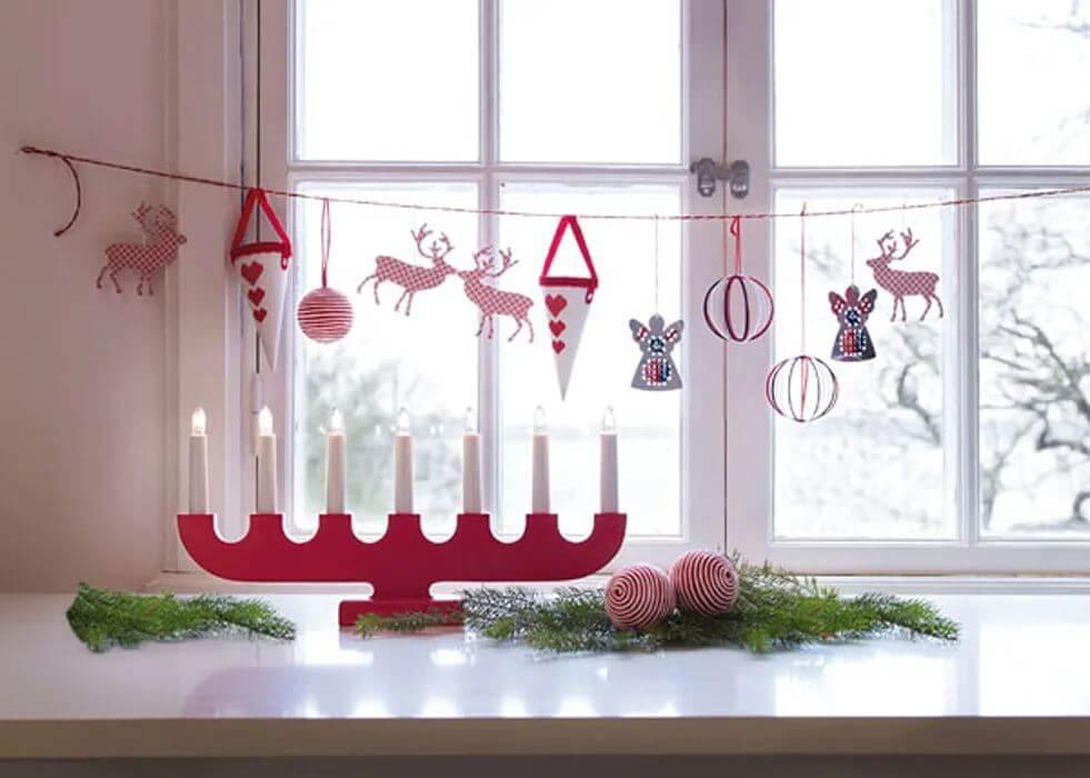 Mẫu cửa sổ với đồ trang trí