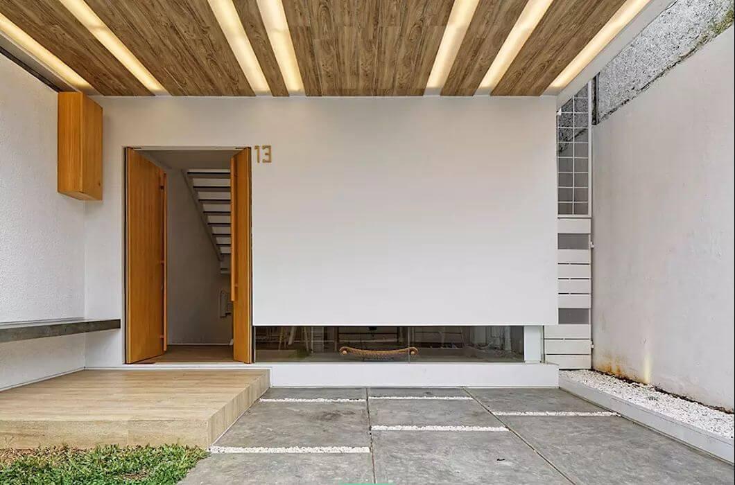 Trần gỗ kết hợp chiếu sáng - Mẫu trần nhà đẹp