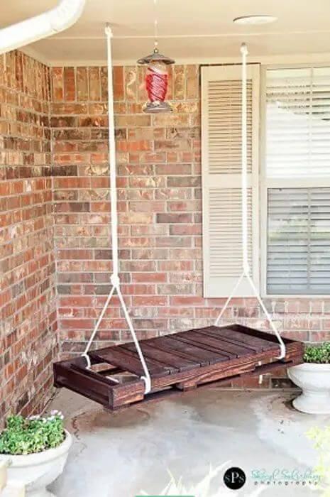 Chiếc xích đu gỗ đơn giản - Thiết kế ngoại thất nhà đẹp