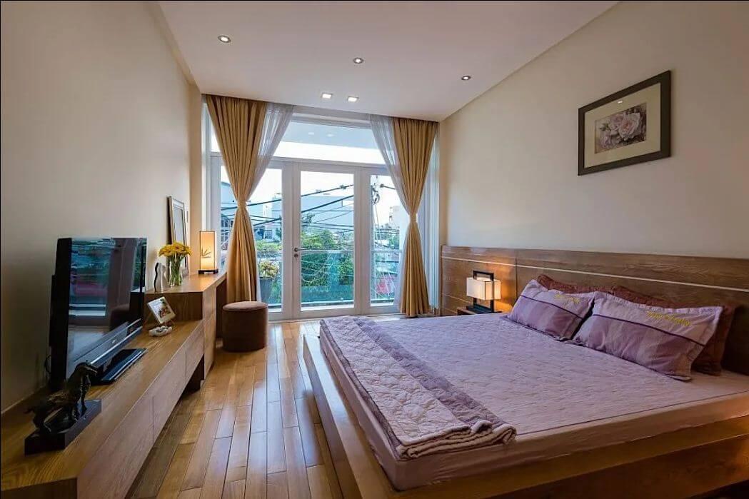 Phòng ngủ tràn đầy ánh sáng của mẫu nhà ống 4 tầng đẹp