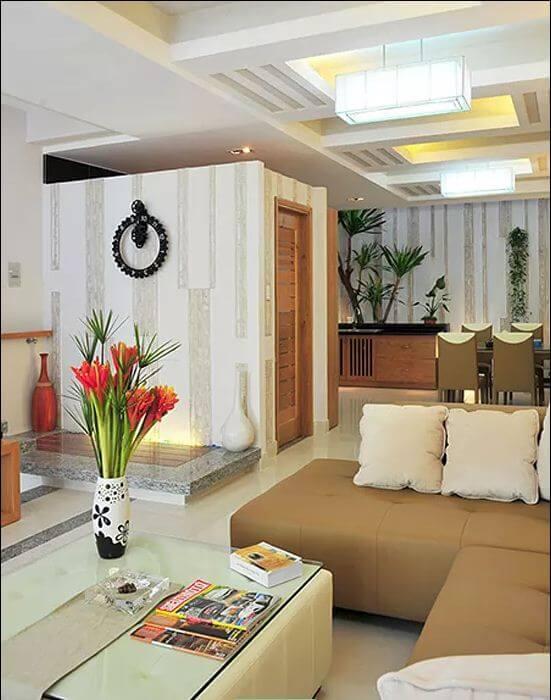 Phòng khách, bếp ăn thoáng đãng - Nhà phố 3 tầng có hồ bơi - 1
