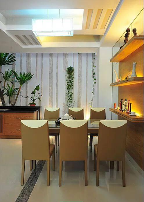 Phòng khách, bếp ăn thoáng đãng - Nhà phố 3 tầng có hồ bơi - 2