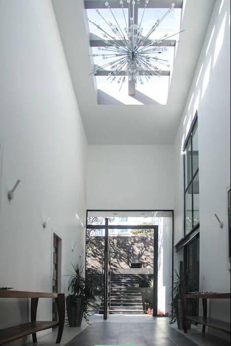 Cách đưa ánh sáng tự nhiên vào nhà thông qua giếng trời - 8