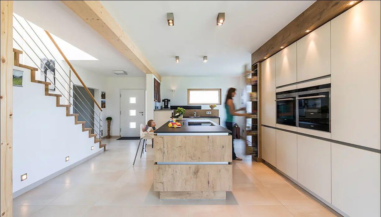 Phòng bếp của ngôi nhà hai tầng