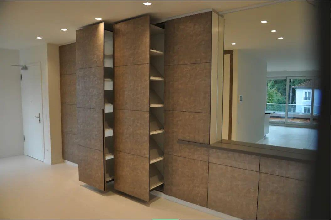 Sử dụng thiết kế tủ âm tường - Thiết kế phòng thay đồ