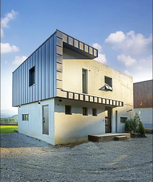 Các mặt cạnh của ngôi nhà - Mặt tiền nhà 2 tầng