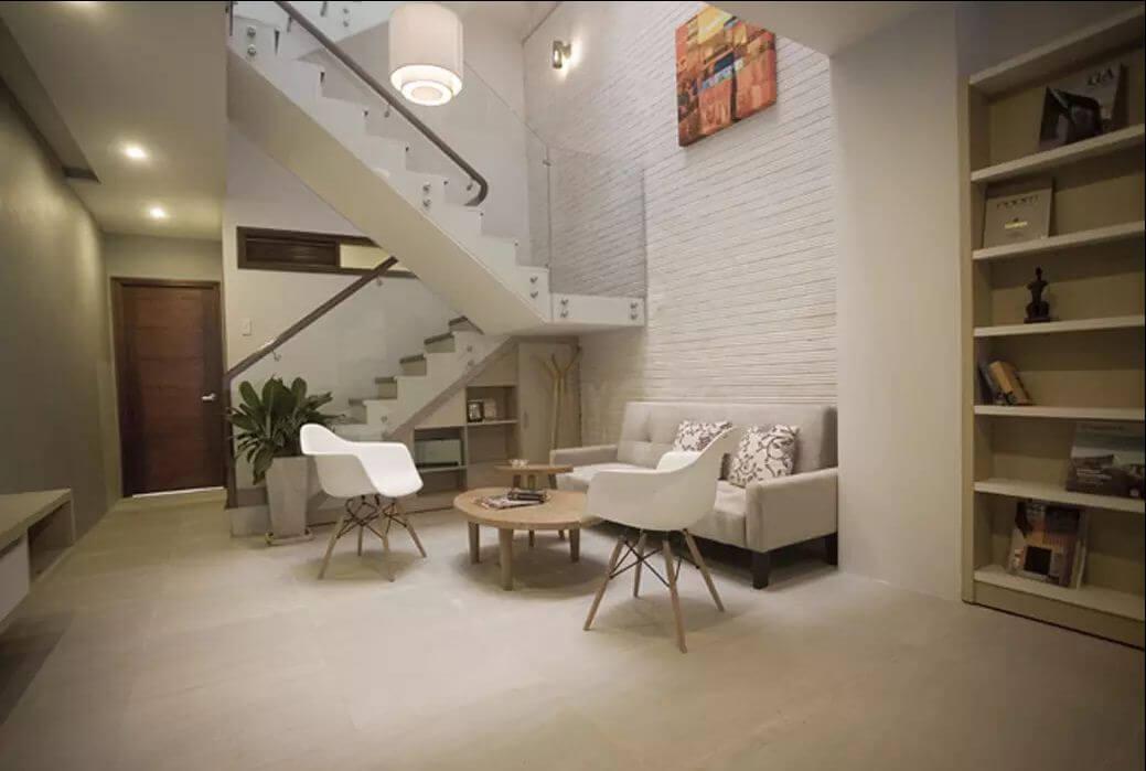 Ghế tựa gỗ trắng dành cho phòng khách gia đình