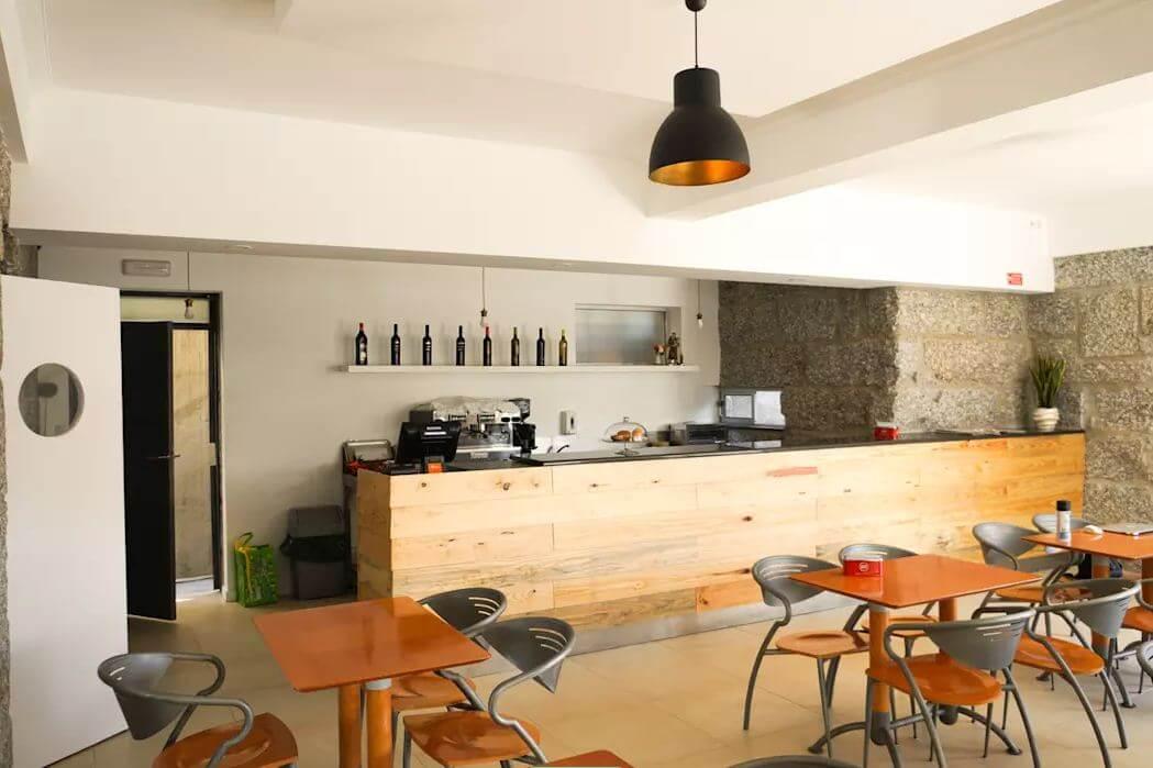 Tận dụng tường nhà - Thiết kế hầm rượu - 1