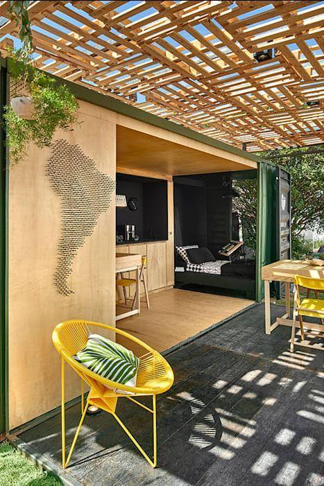 Mái hiên gỗ ấn tượng - Thiết kế nhà Container - 2
