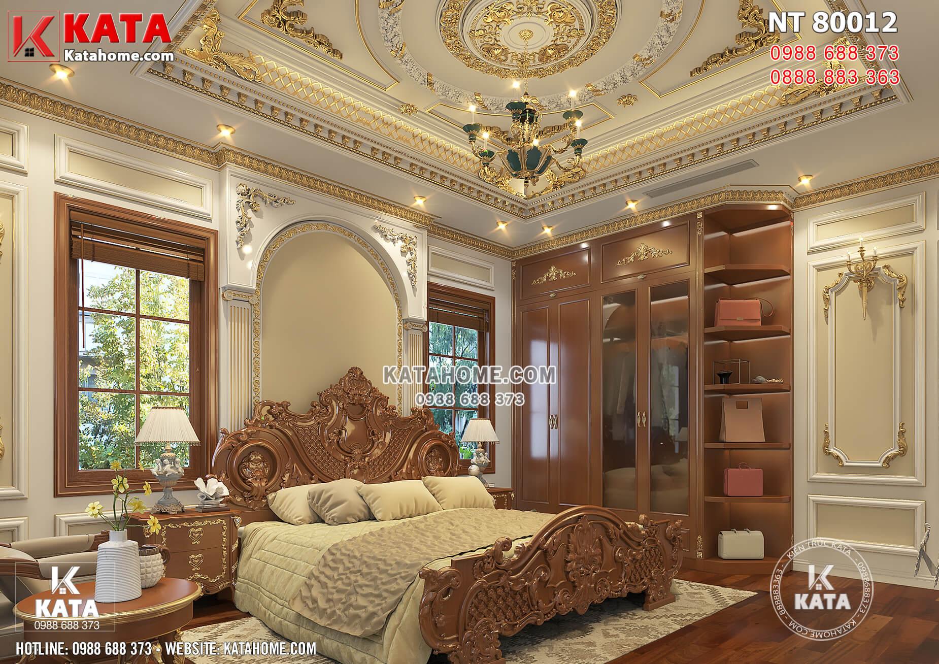 Giường làm từ gỗ tự nhiên cao cấp